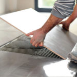 Как правильно укладывать керамическую плитку? Советы профессионала