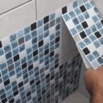 Как обновить плитку в ванной не меняя ее и не снимая старый кафель своими руками