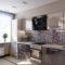 Мозаика на кухню: зеркальная и стеклянная плиточная мозаика в интерьере, варианты отделки стен в черном и других цветах