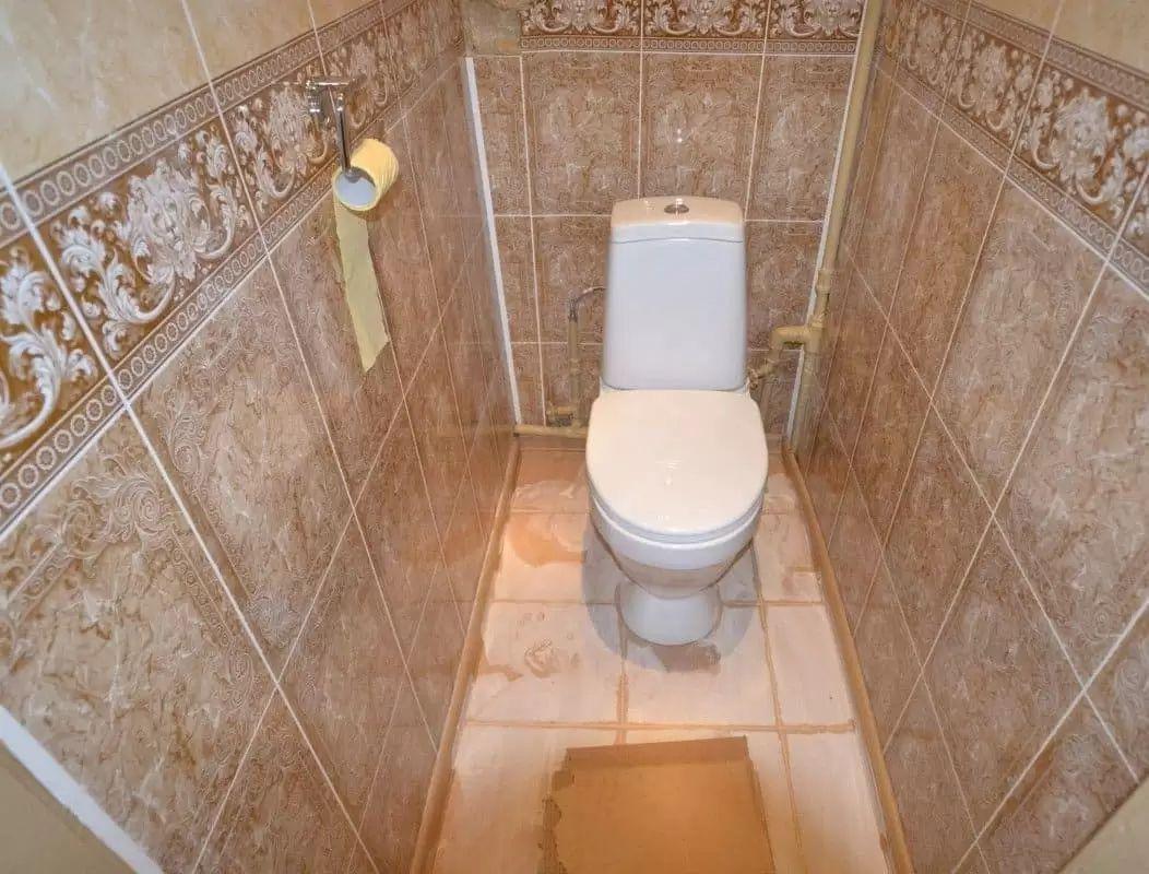 Обшивка туалета пластиковыми панелями