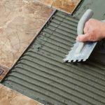 Эластичный плиточный клей — свойства и особенности