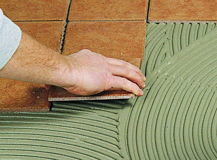 эластичный плиточный клей для деформирующихся оснований